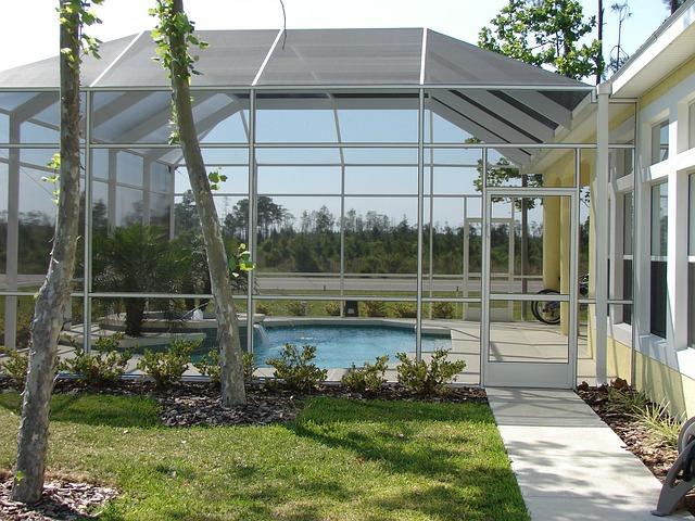 Zadaszenie basenu ogrodowego