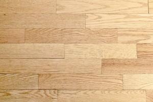 jasne panele podłogowe