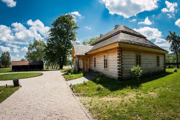 Domy drewniane całoroczne w Mazowieckim